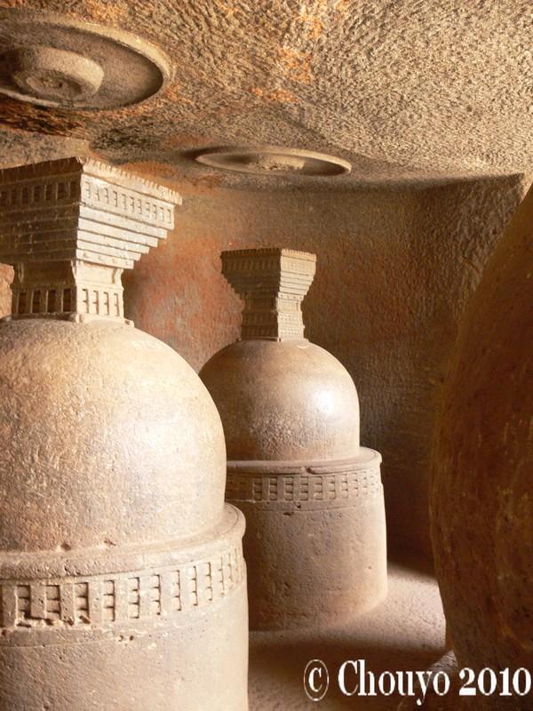 Cénotaphes Bhaja Caves Lonavla