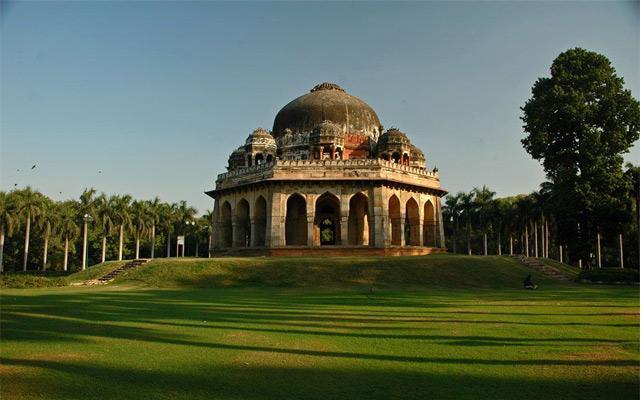 Tomb Lodi Gardens