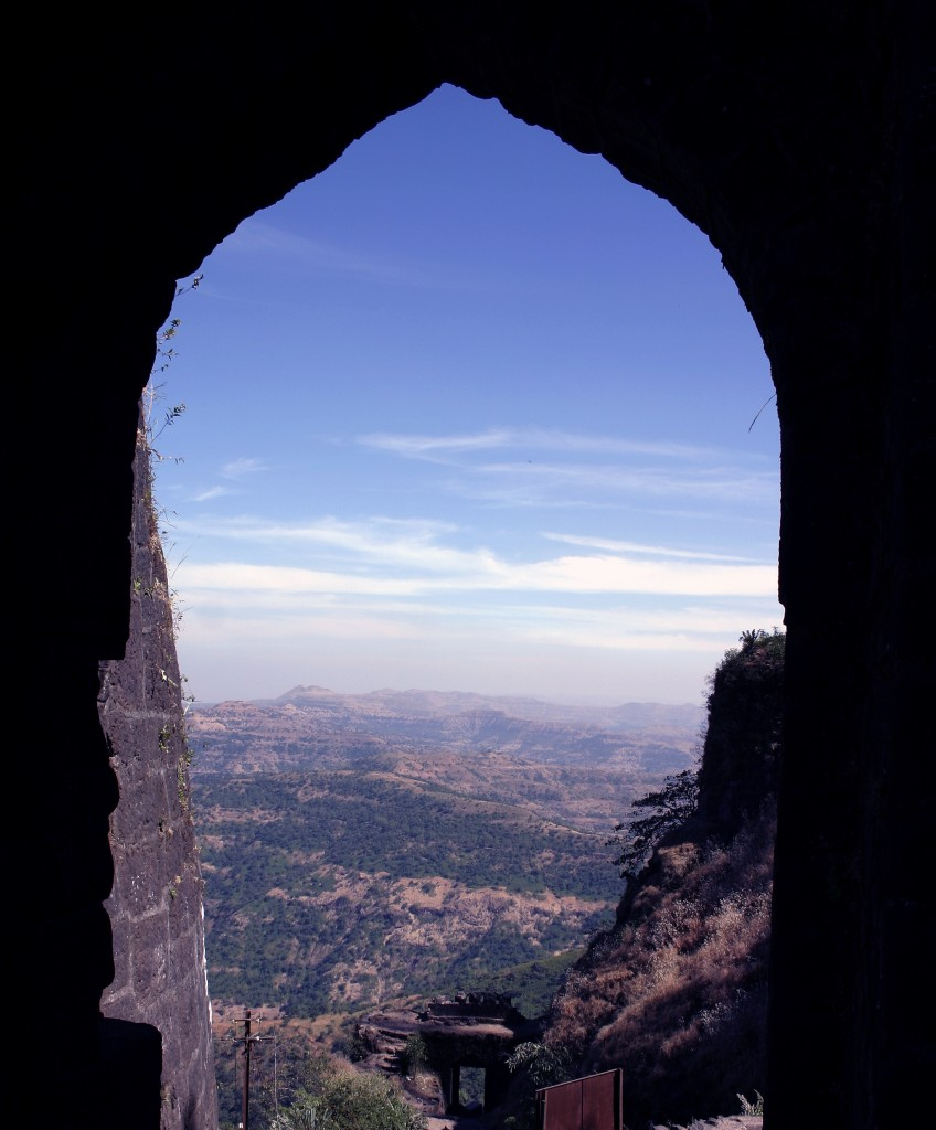 View_from_Sinhagad_Pune_Darwaja