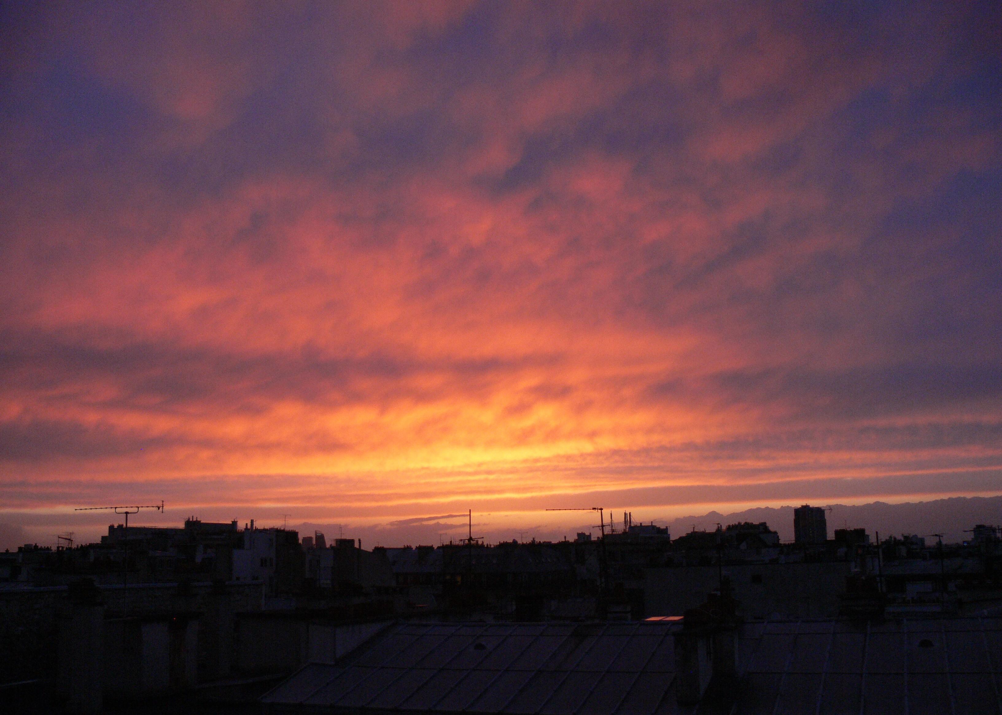 Chouyored couvre chouyo 39 s world - Quelle heure le soleil se couche ...